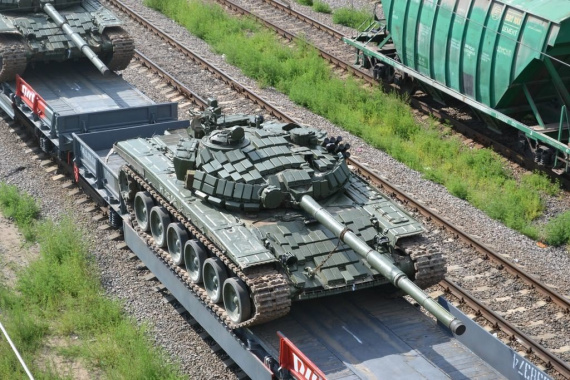 танк на платформе